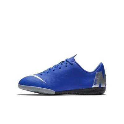 Ποδοσφαιρικό παπούτσι για κλειστά γήπεδα Nike Jr. VaporX 12 Academy IC για μικρά/μεγάλα παιδιά