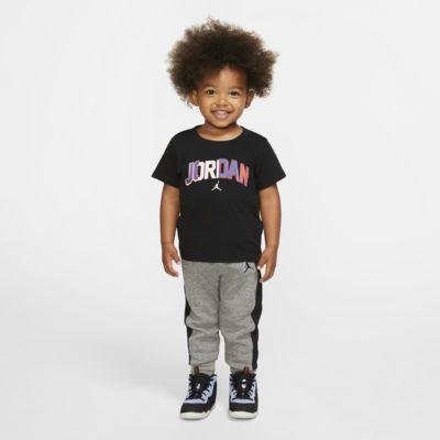 Jordan zweiteiliges Set aus T-Shirt und Jogger für Babys