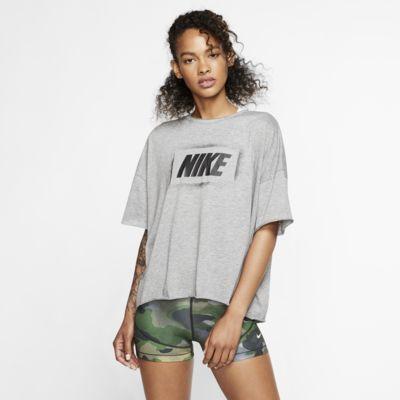 Kortærmet Nike Dri-FIT-træningstop med grafik til kvinder