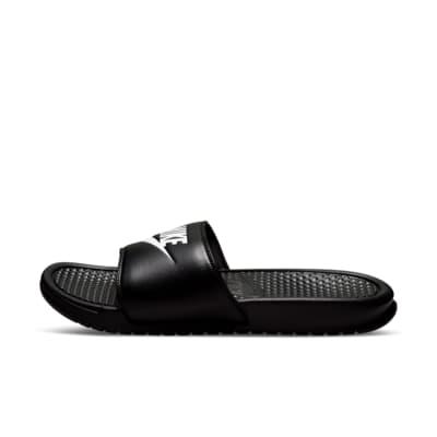 รองเท้าแตะแบบสวม Nike Benassi