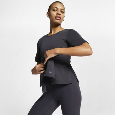 Prenda para la parte superior de entrenamiento de yoga de manga corta para mujer Nike Studio