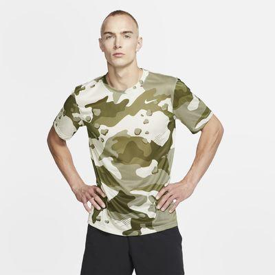Nike Dri-FIT Trainingsshirt met camouflageprint voor heren