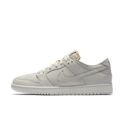 sports shoes 5a39d 72798 NIKE. Nike SB Zoom Dunk Low Pro Deconstructed – skatersko til mænd.