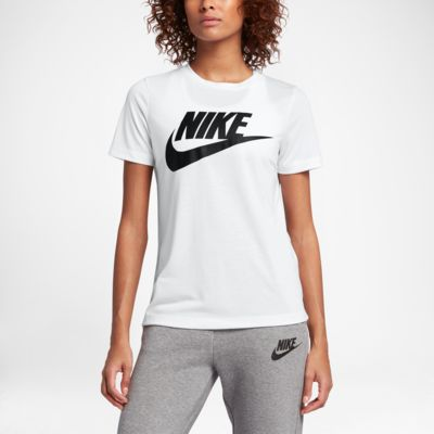 Top a manica corta con logo Nike Sportswear Essential - Donna