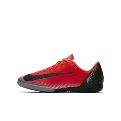 รองเท้าฟุตบอลเด็กเล็ก/โตสำหรับคอร์ทในร่ม Nike Jr. MercurialX Vapor XII Academy CR7