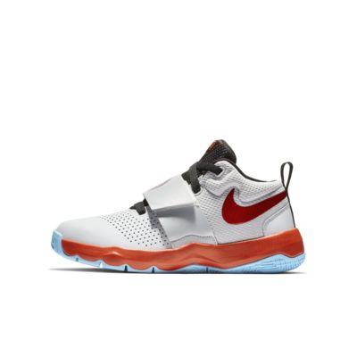 Nike Team Hustle D 8 SD Basketballschuh für ältere Kinder