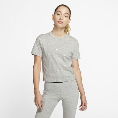 Nike Swoosh Logolu Kadın Tişörtü