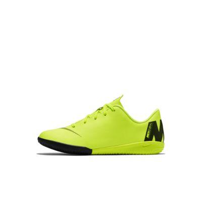 Nike Jr. VaporX 12 Academy IC Younger Kids' Indoor/Court Football Shoe