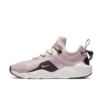 Nike Air Huarache City Move 女子运动鞋