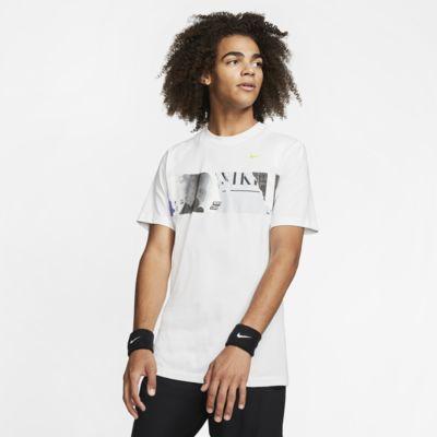 NikeCourt Tennis-T-Shirt mit Grafik für Herren