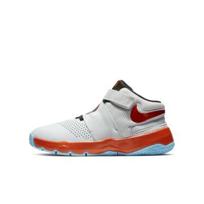 Nike Team Hustle D 8 FlyEase basketsko til store barn