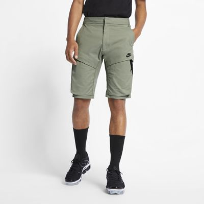 Nike Sportswear Tech Pack Dokuma Erkek Şortu