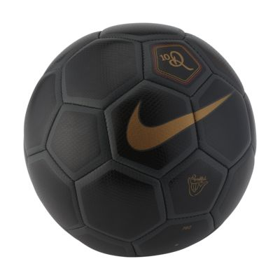 Nike Menor X 10R 足球