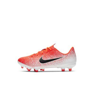 Nike Jr. MercurialX Vapor XII Academy-fodboldstøvlen til små og store børn (flere typer underlag)