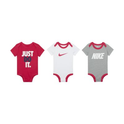 Nike Baby (0-9M) Bodysuit Set (3-Pack)