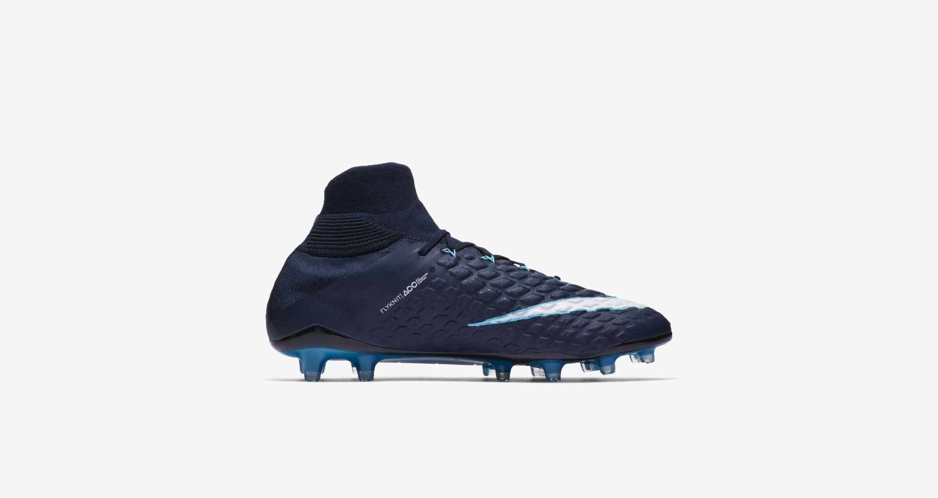 Nike Performance HYPERVENOM PHANTOM III DF AG-PRO - Chaussures de foot à crampons rouge