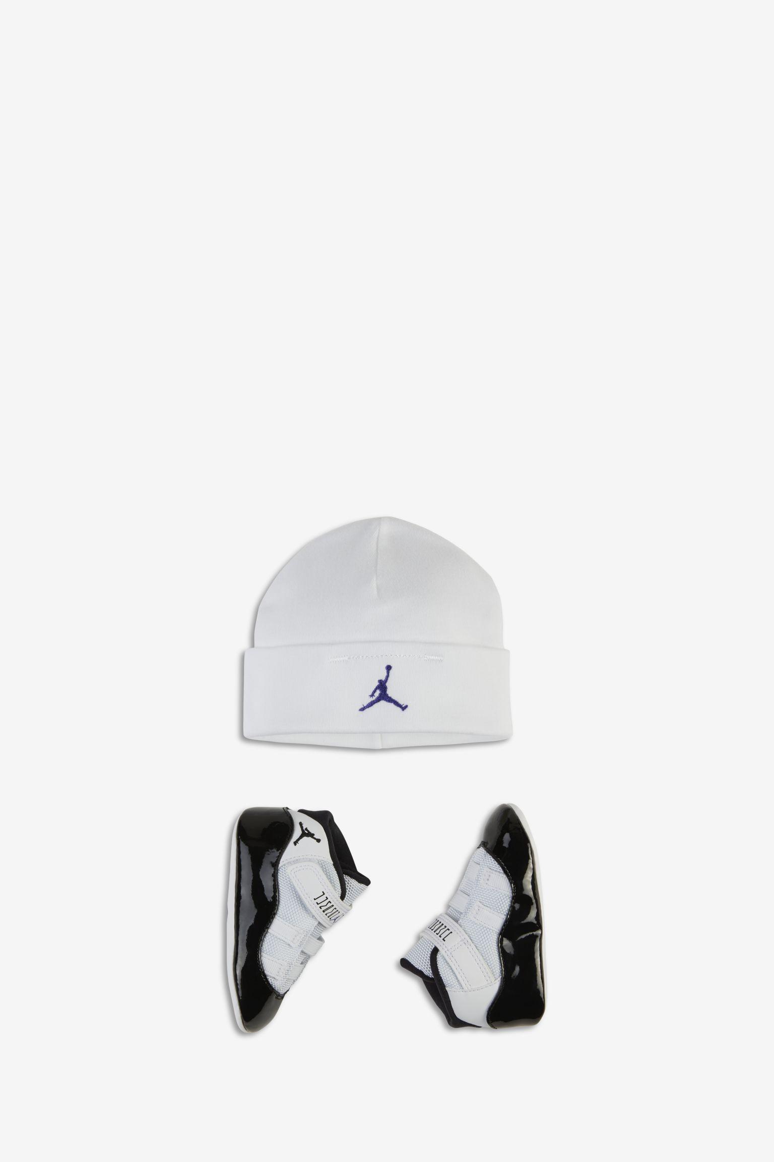 Air Jordan 11 Concord BG 'White & Black' 发布日期