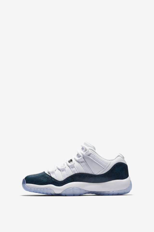 air jordan xi low bleu marine