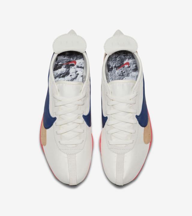 Nike Moon Racer 'Sail \u0026 Solar Red \u0026 Gym