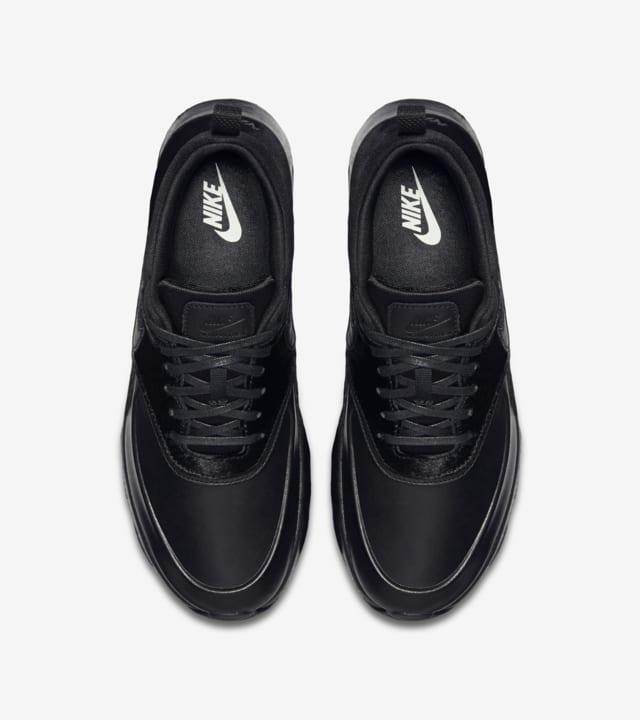 nike thea leather