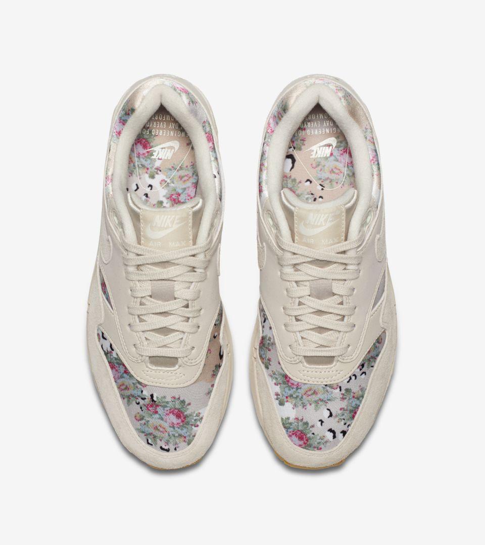 Nike Wmns Air Max 1 Floral Desert Sand