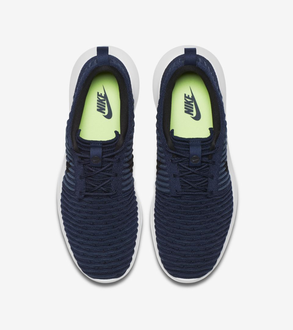 404f57f406659 Nike Roshe 2 Flyknit  College Navy   White . Nike+ SNKRS