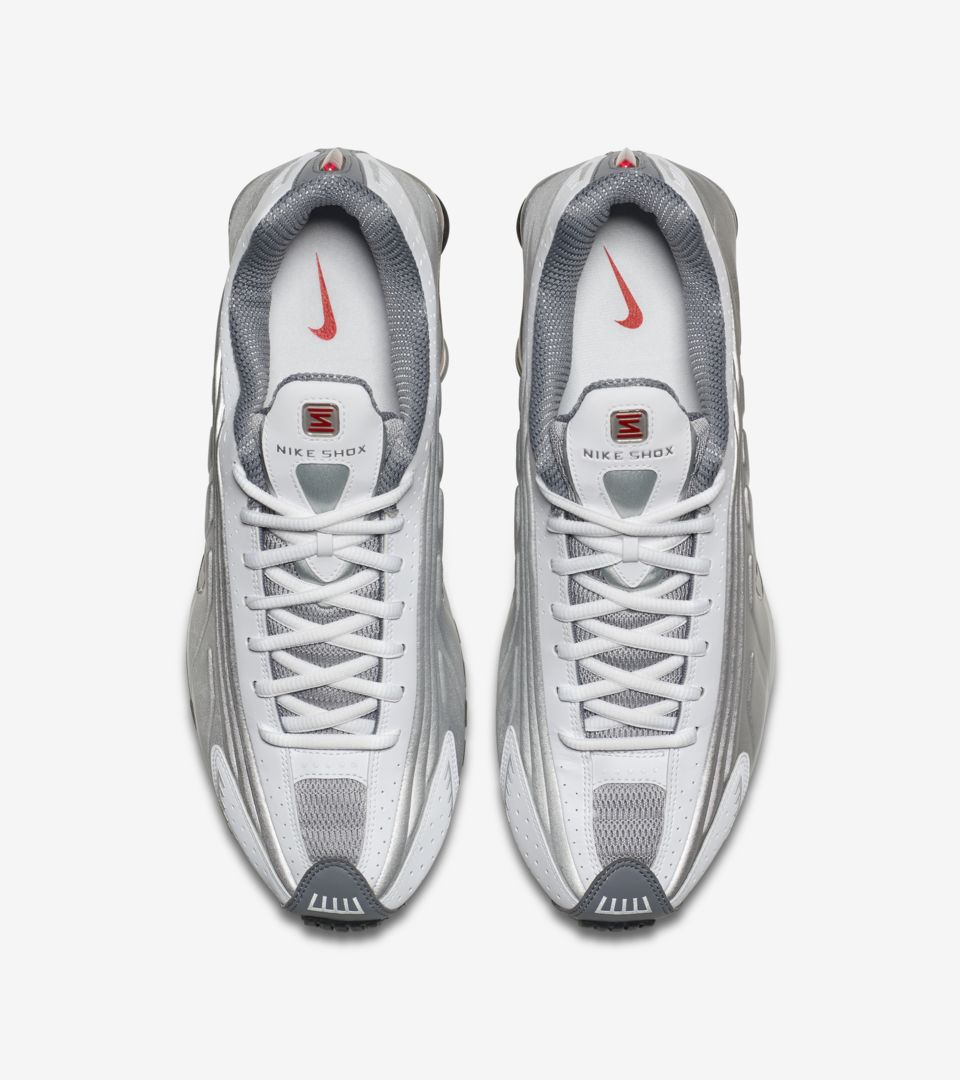 Nike Shox R4 'White & Comet Red & Metallic Silver' Release Date