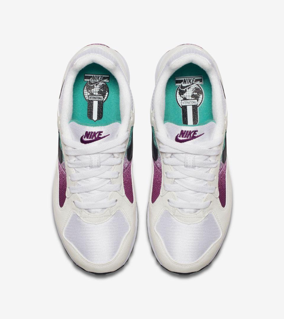 new products bb3dd 55322 ... Women s Nike Air Skylon 2  White   Clear Emerald  ...