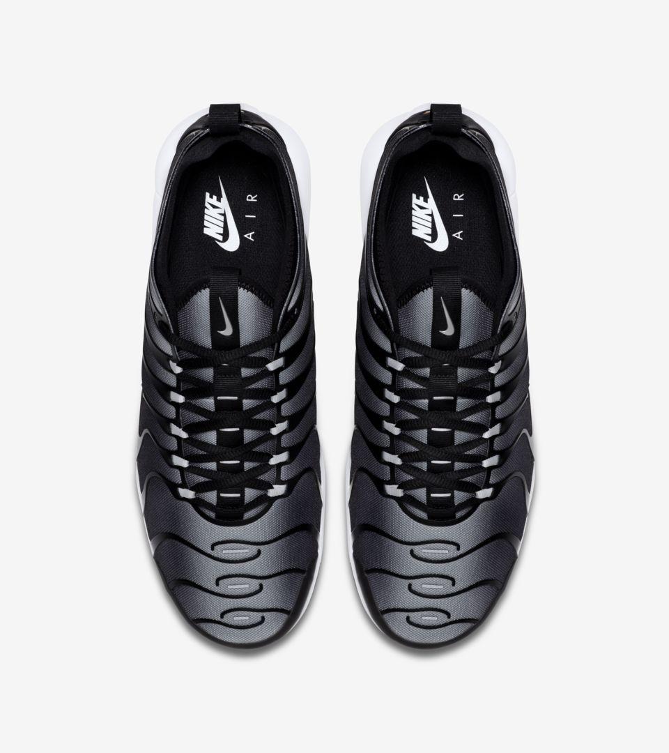 Nike Air Max Plus TN Ultra  Black  amp  Wolf Grey  Release Date ... ffd30a401