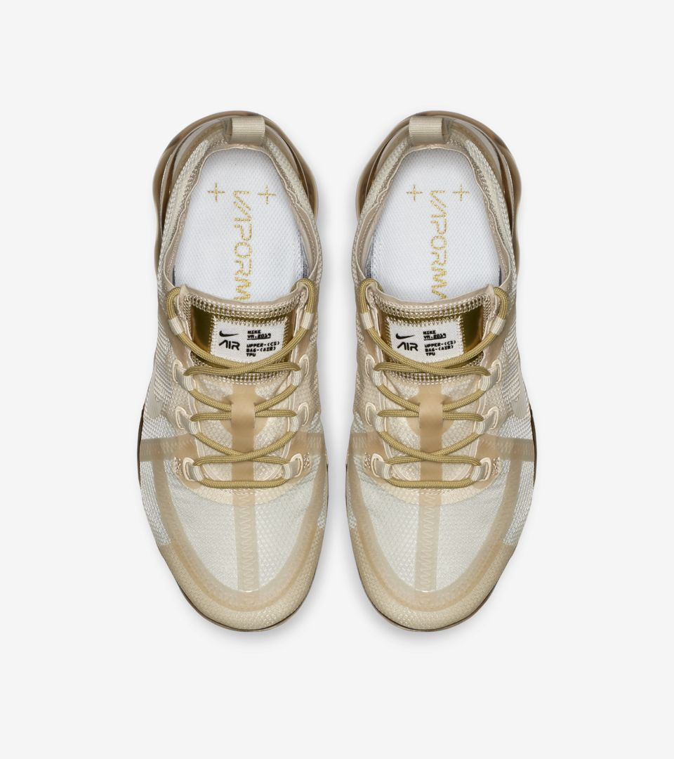 sports shoes 605ed fabe0 Women's Nike Air Vapormax 2019 'White & Metallic Gold ...