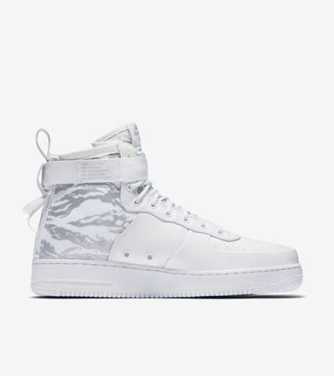 Nike SF Air Force 1 Mid 'Triple White' — releasedatum. Nike