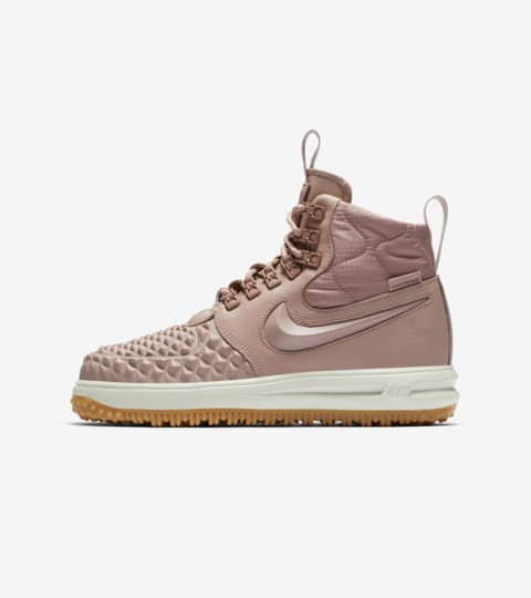 Women's Nike Lunar Force 1 Duckboot 'Particle Pink' Release ...