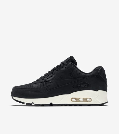 Nike Air Max 90 Pinnacle 'Black & Sail'. Nike SNKRS