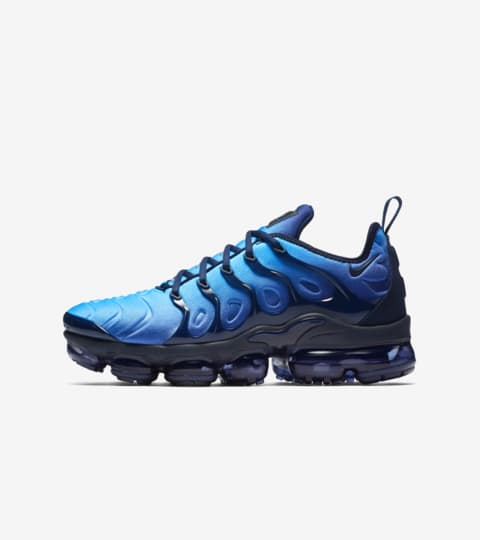 blue air max vapormax
