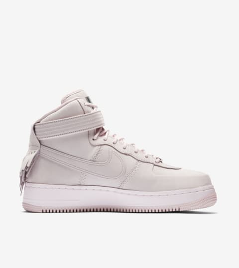"Nike Air Force 1 High Sport Lux ""Pearl Pink"" – data premiery"