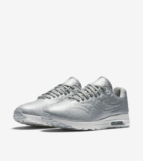 nike air max 1 silver