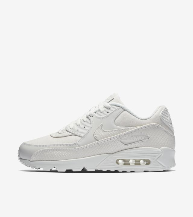 Nike Air Max 90 'Summit White' Release Date. Nike SNKRS