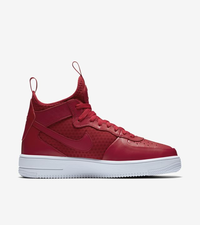 Nike Air Force 1 Ultra Force Mid 'Gym Red & White'. Nike SNKRS
