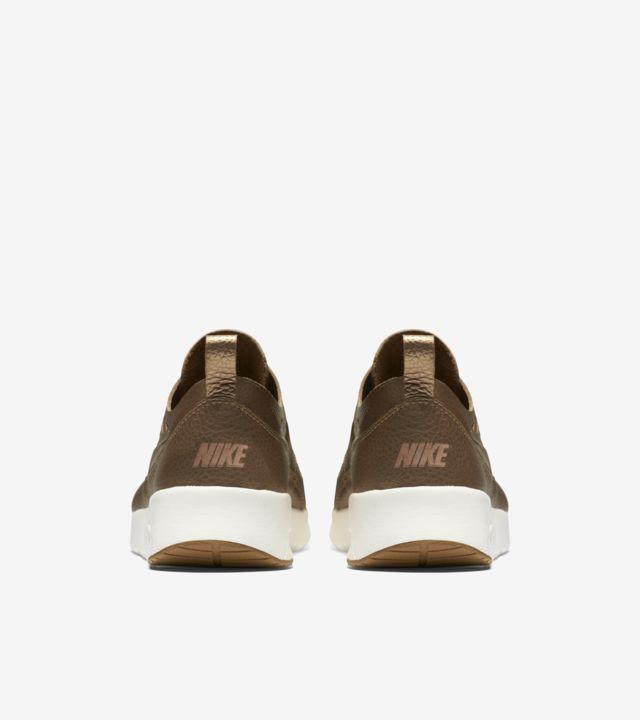 Women's Nike Air Max Thea Joli 'Metallic Golden Tan'. Nike SNKRS