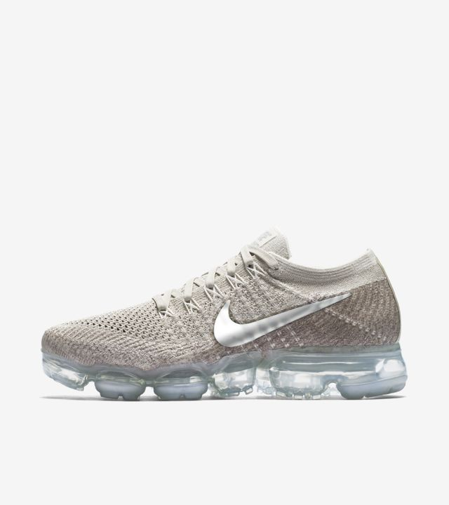 Women's Nike Air VaporMax 'String'. Nike SNKRS