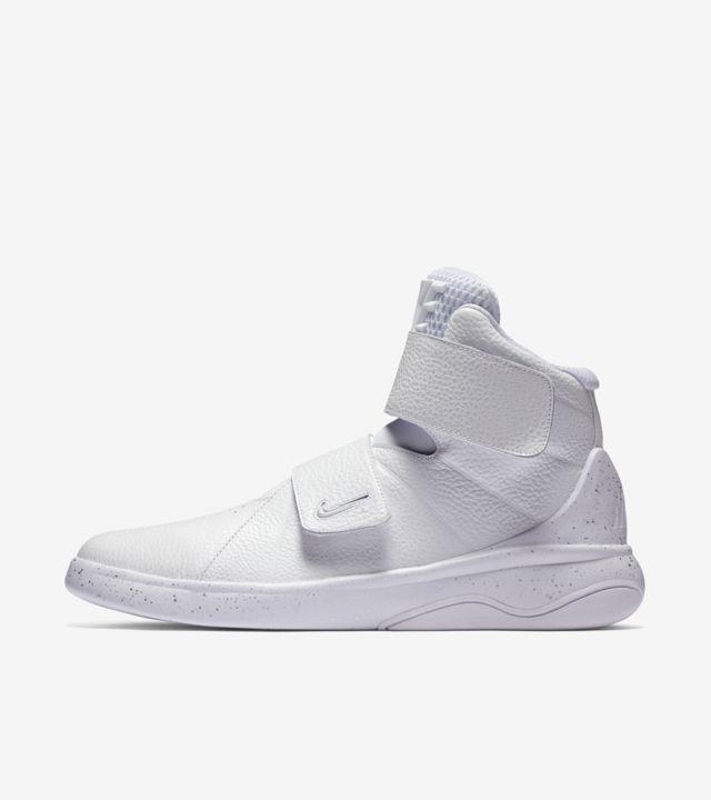 Nike Marxman 'Triple White'. Nike SNKRS