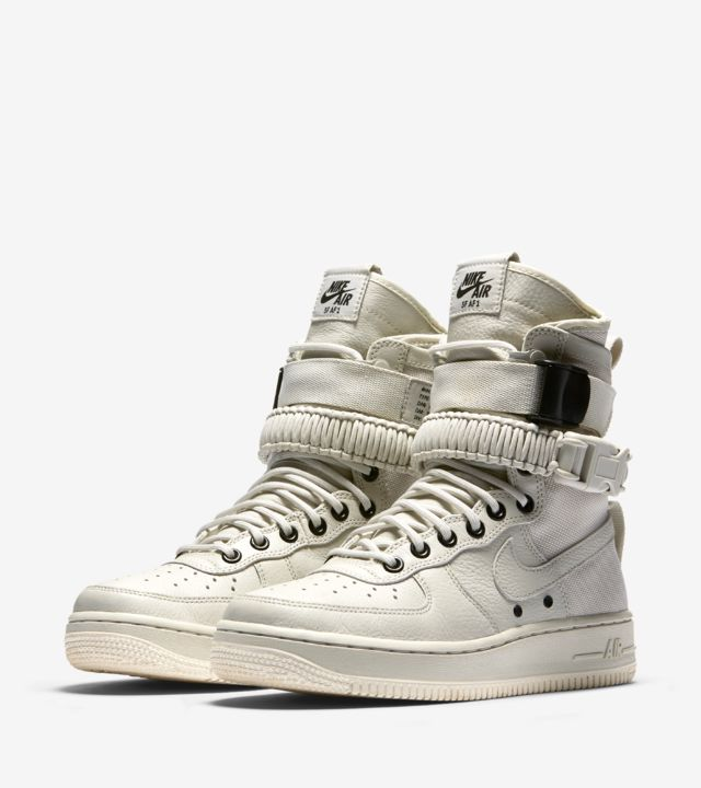 Women's Nike Special Field Air Force 1 'Light Bone & Sail
