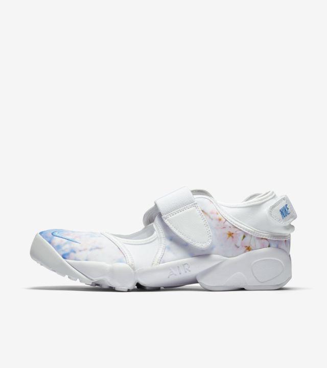 nike air rift sneakers