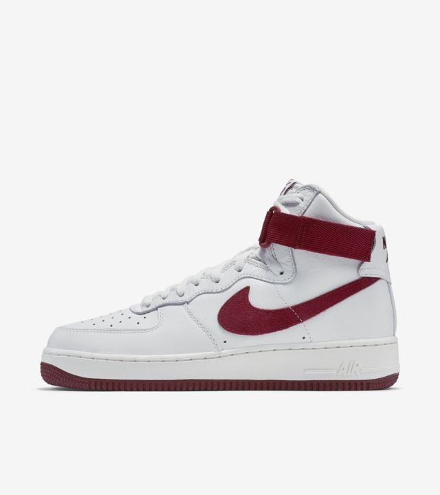Nike Air Force 1 High 'White & Team Red'. Nike SNKRS