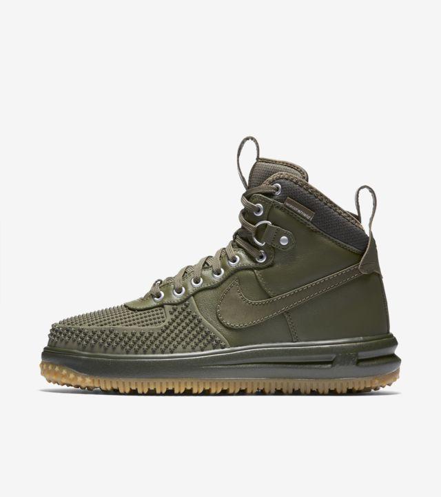Nike Lunar Force 1 Duckboot 'Medium Olive & Gum'. Nike SNKRS