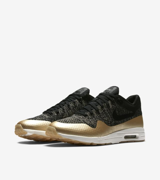 Nike Womens Air Max 90 Ultra 2.0 Flyknit Metallic Black