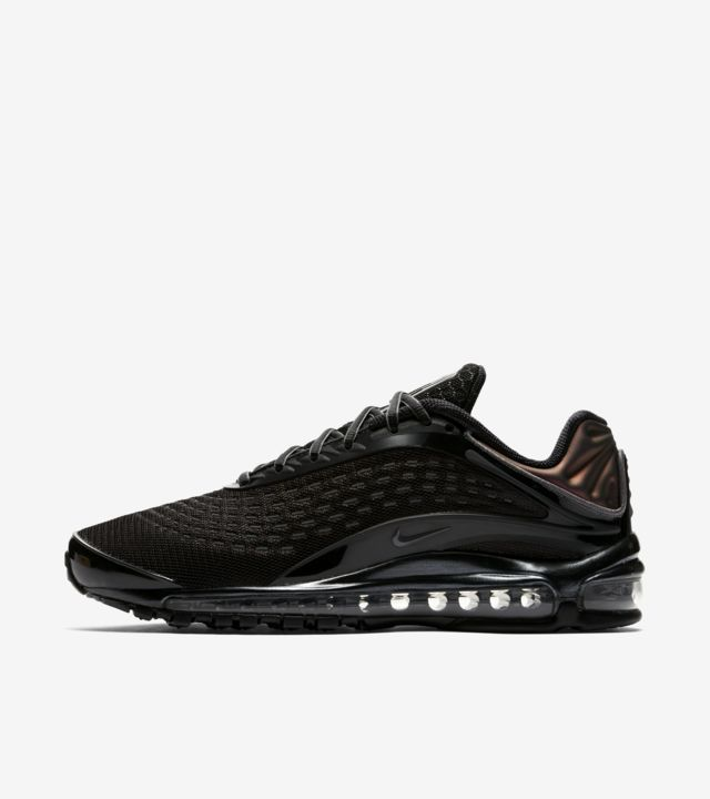 https://c.static-nike.com/a/images/t_prod_ss/w_640,c_limit,f_auto/ywolesdoku0zrrwnm6ok/nike-air-max-deluxe-triple-black-release-date.jpg