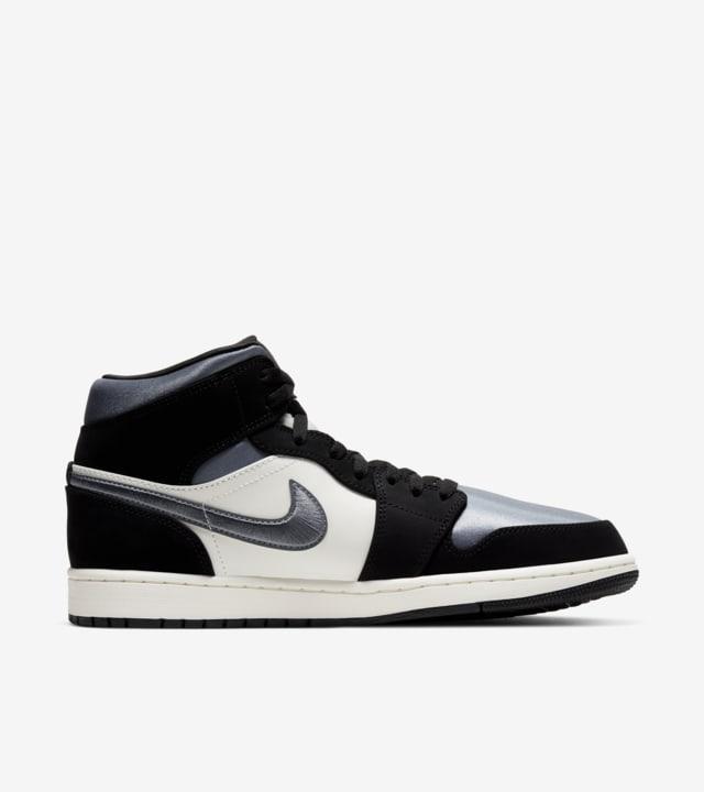 Air Jordan 1 Mid 'Black/ Smoke Grey