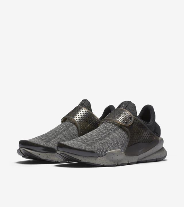 Nike Sock Dart 2020 Nike Sock Dart SE Premium 'Dust Grey'. Nike SNKRS