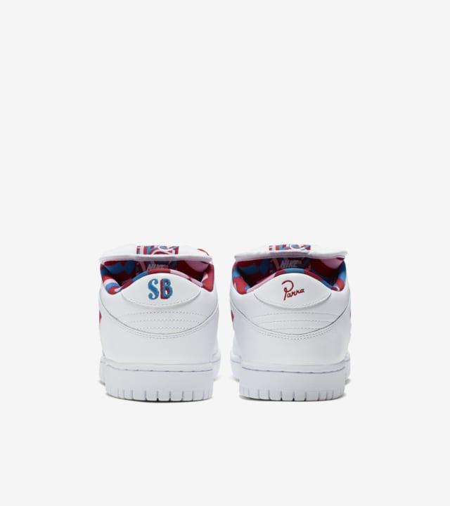 moverse Decimal En el nombre  SB Dunk Low 'Parra' Release Date. Nike SNKRS